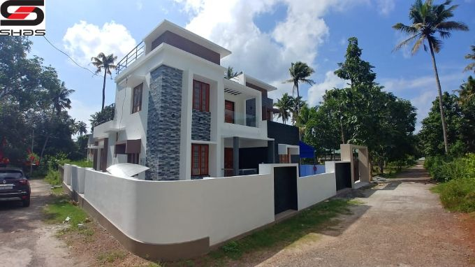 4 BHK house for sale in Decent Junction, Kollam Real Estate Dealers